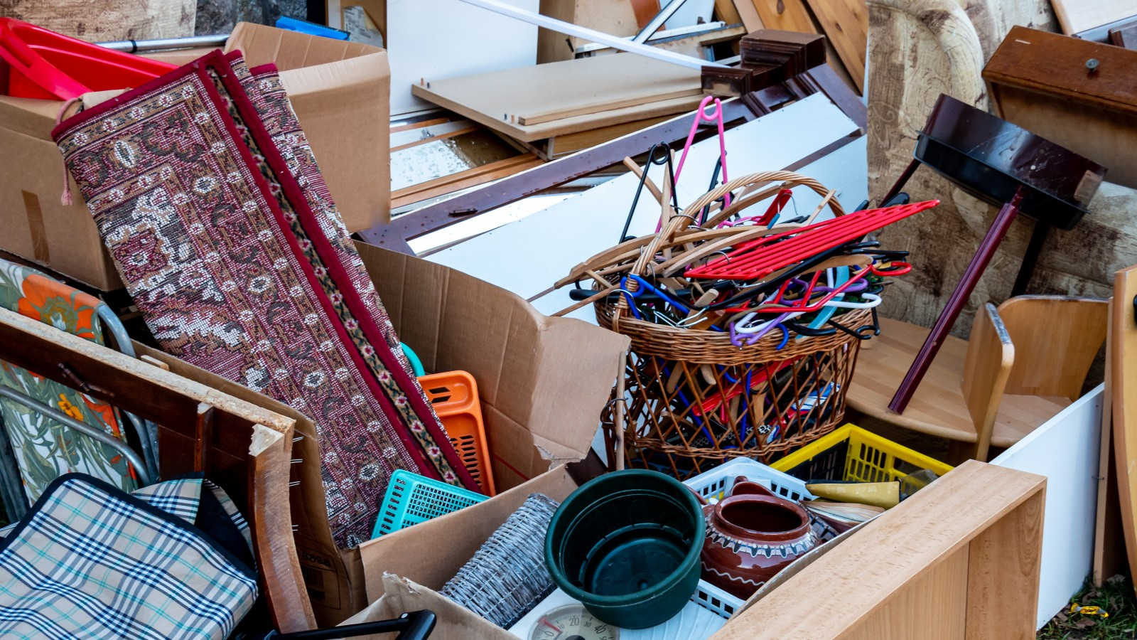 What Can a House Clearance Service Do for You?